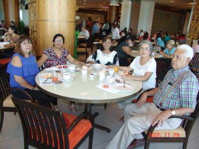 21092017 Cristina, Raquel, Graciela, María del Refugio y Salvador.