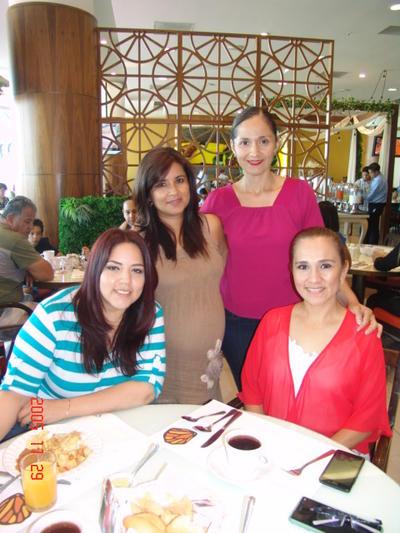 21092017 Gaby, Lily, Perla y Denisse.