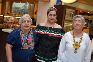 21092017 Silvia, Ana María y Esperanza.