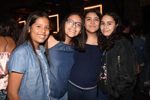 22092017 POSAN PARA LA CáMARA.  Andrea Nájera, Zahira Hernández, Cristina Rodríguez y Natalia Silva.