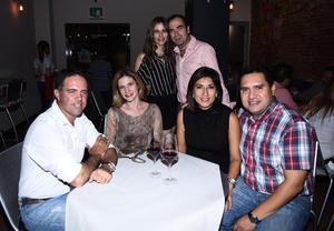 23092017 INAUGURACIóN DE RESTAURANTE.  Olivia, Roberto, Facundo, Tany, Julia y José.