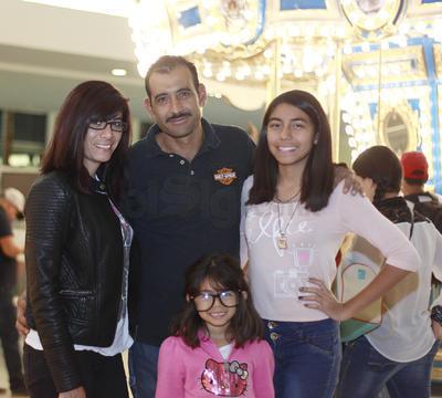 María, Salvador, Danna y Hanna.