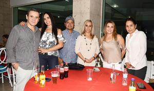 26092017 POSAN PARA LA FOTO.  Héctor, Emma, Juan, Vicky, Arminda y Lorena.