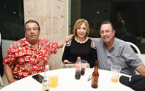 26092017 EN RECIENTE EVENTO.  Alejandro, Ana y Edmundo.
