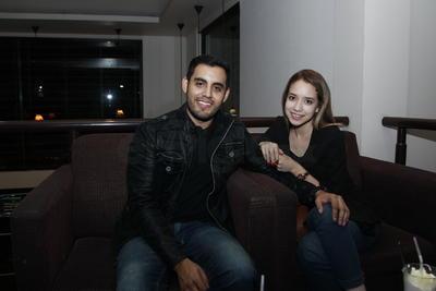 Andrés y Larissa.