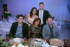 27092017 CELEBRACIóN DE CUMPLEAñOS.  Miguel, Alejandra, Ángel, Martha y Miguel.