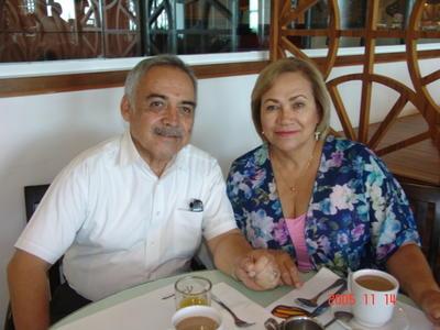 28092017 Fortunato y María Elva.