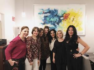 28092017 CELEBRA SU CUMPLEAñOS.  Lily Ávalos acompañada de Eloísa Artigas, Ale Bitar, Victoria Armendáriz, Sara Valenzuela, Suheila Núñez y Ale R. de la Peña.