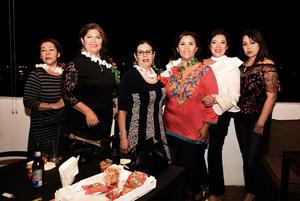 28092017 CUMPLE CON LAS AMIGAS.  Patricia Vázquez Amador acompañada de Sandra, Martina, Silvia, Cecy y Gaby.