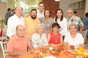 28092017 Luis Arturo Dávila, Hermano Ignacio, Betty, Dr. Maldonado, Betty Flores, Alejandro, Cecy, Alicia, Fabiola y Jorge.