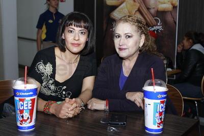 Cristina y Maru.
