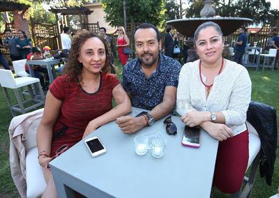 Carla, Valenta y Blanca.