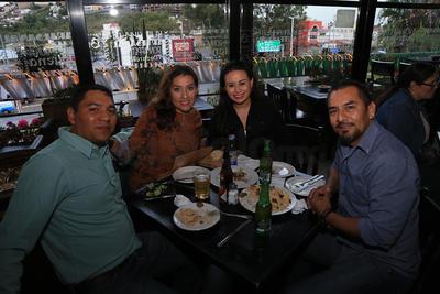 Juan, Silvia, Eli y Guillermo.