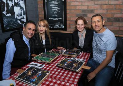 Efraín, Rosy, Samdra y Román.