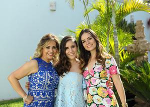Melanie con su mamá, Marisa Madinaveitia, y su hermana, Melissa Pollet
