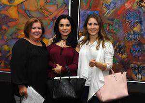 María Luisa, Mónica y Victoria