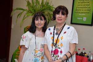 30092017 Laura y Lupita.