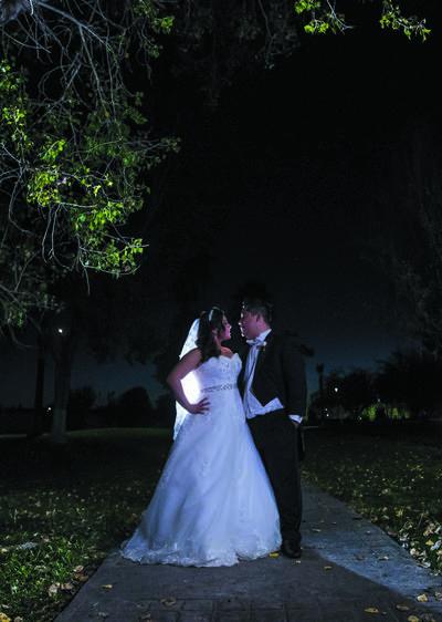 29102017 Mariana Elizabeth de la Rosa Esparza y Jesús Armando Núñez Sánchez se convirtieron en marido y mujer el 14 de octubre. - Piopics