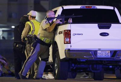 """""""En este momento hay más de 50 muertos y más de 200 individuos heridos"""", aseguró el jefe de la Policía Metropolitana de Las Vegas, Joe Lombardo, en la cuenta de Twitter de la institución."""
