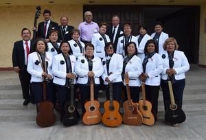 02102017 Trabajos de bisutería que realizaron las maestras de la D-IV-1 de Torreón, Coah.