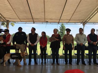 Durante el homenaje, la secretaria del Medio Ambiente en Coahuila, Eglantina Canales, externó un discurso en agradecimiento a su labor.