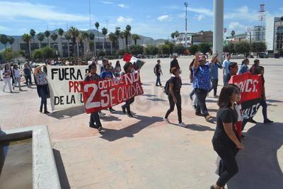La marcha partió de la calle Donato Guerra y bulevar Revolución rumbo a la Plaza Mayor.
