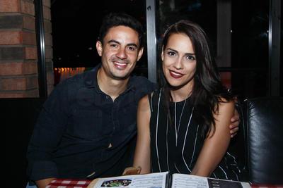 Arturo y Jennifer.