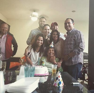 05102017 En familia.