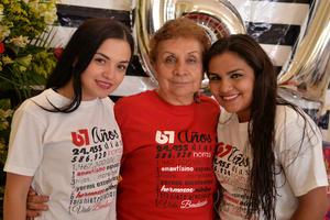 07102017 FELIZ CUMPLEAñOS.  María Estela con Andrea Belén y Karen Fernanda.