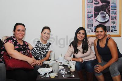Alma, Gaby, Aracely y Lourdes.