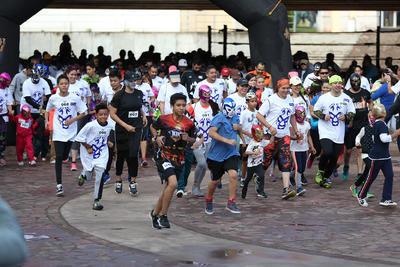 Gente de todas las edades corrieron en el Parque Guadiana.