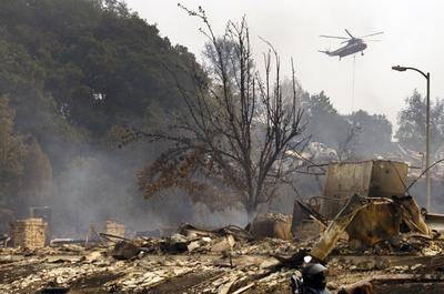 El peor incendio en la historia reciente de California fue en Cedar, en el condado de San Diego en 2003, que destruyó más de 2,800 hogares.