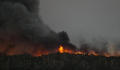 Fue en el condado de Napa donde, durante la madrugada, se registraron tres grandes incendios y varios de menor envergadura, indicó hoy Molly Rattigan, portavoz del condado.