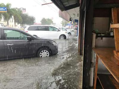 Explicó que se trata de lluvias puntuales, ya que únicamente se han reportado en el sector centro de la ciudad, así como al sureste de Gómez Palacio así como en los límites con Ciudad Lerdo.