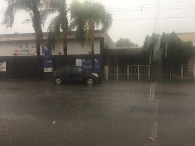 De acuerdo con José Abad Calderón Partida, previsor del tiempo en la Comisión, se espera que la precipitación que inició poco después de las 14:00 horas, continuará por espacio de una hora y media. Además, se espera una captación cercana de entre los 10 a los 15 milímetros de agua de lluvia.