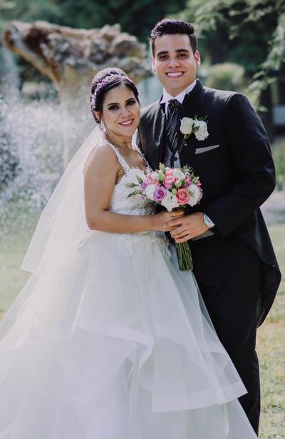 08102017 Katia Marcela Mendiola Favela y Alberto Martínez Luévano. - Emilio Rivas