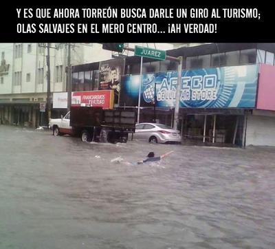 Del caos a las risas por inundaciones en Torreón