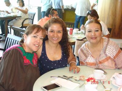 12102017 Cynthia, Oralia y Xóchitl.