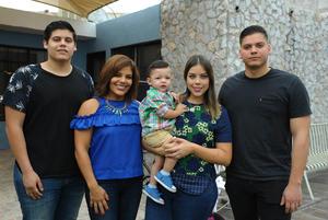 Miguel, Martha, Ángel, Rosy y Santi