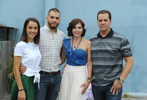 Natalia, Salvador, Cristy y Salvador