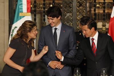 La relación que se muestra entre ambos mandatarios, no solo es política,sino de amistad también.
