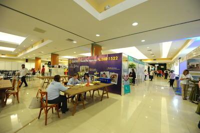 Entre el perfume de los arreglos florales y los finos detalles, el Expo Center Laguna abrió sus puertas.