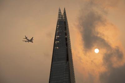 En el Reino Unido (RU) con condiciones atmosféricas inusuales, que llevaron a la aparición de cielos rojizos.