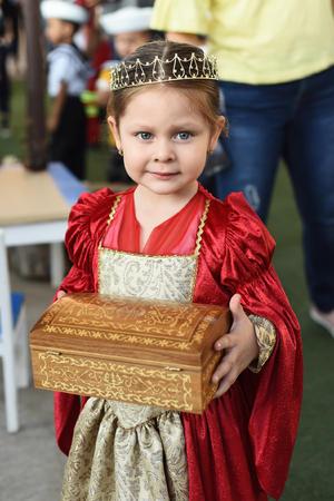 16102017 MUY LINDA.  Victoria Acevedo Carrillo, hija de Blanca Carrillo y Gregorio Acevedo, en la ceremonia del 12 de octubre.