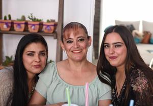 26102017 Paola, Alejandra y Jessica.