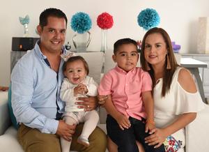 26102017 Luis Jorge, Luciana, Paola y Luis Jorgito.