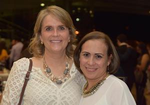 27102017 Cristina Fuentes y Lupita López.