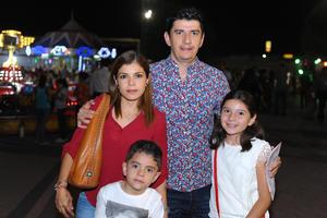 Katyria, Oscar, Sofia y Mateo.