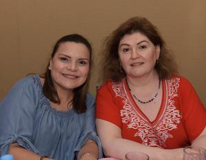 Claudia y Norma.