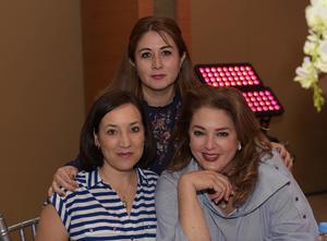 Monica,Malena y Luisa.
